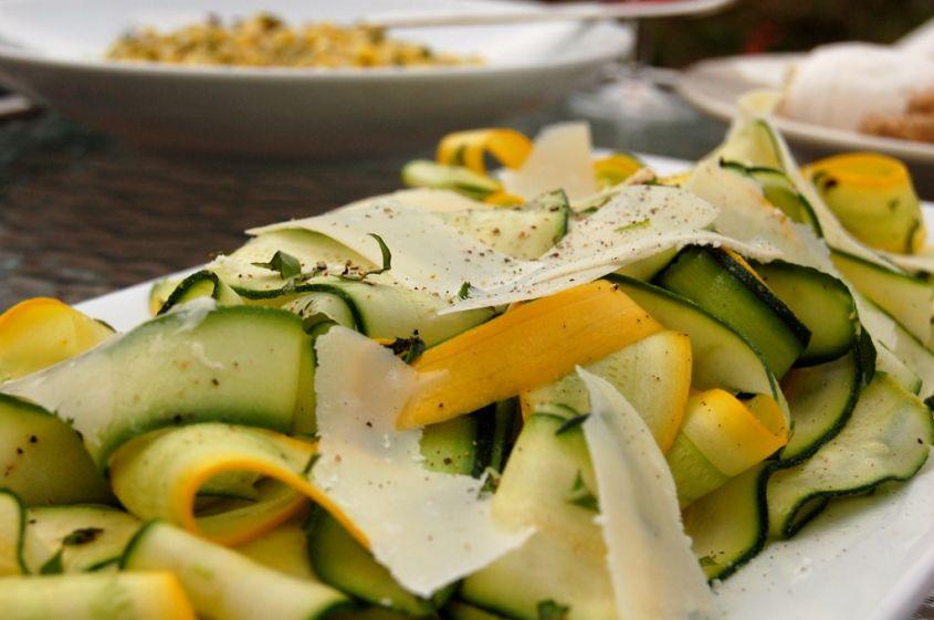 insalata di zucchine - due ricette